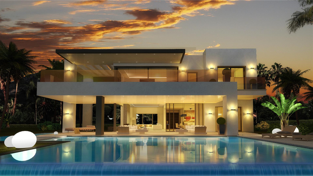 Luxurious modern style villas for sale on Marbella Golden Mile. Just off the palm-lined Golden Mile ,Spain