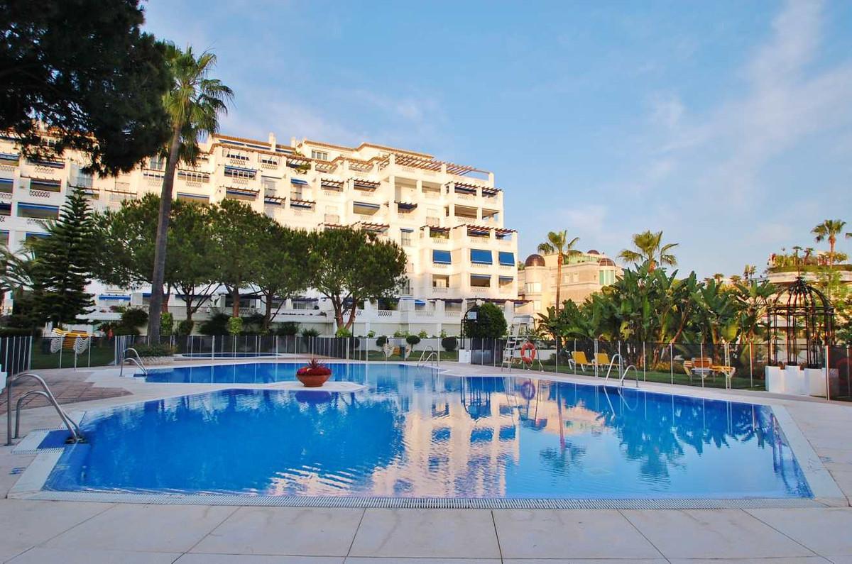 Spacious apartment Puerto Banus. Luxurious apartment located in a frontline beach urbanization in th,Spain