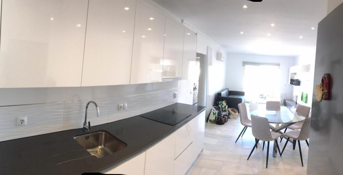Ground Floor Apartment for sale in Fuengirola R3629699