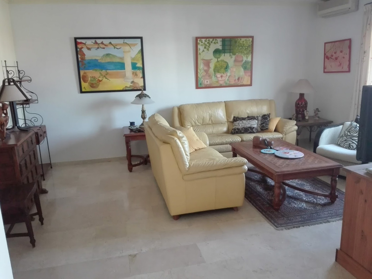 Rijhuis te koop in Fuengirola R3848941