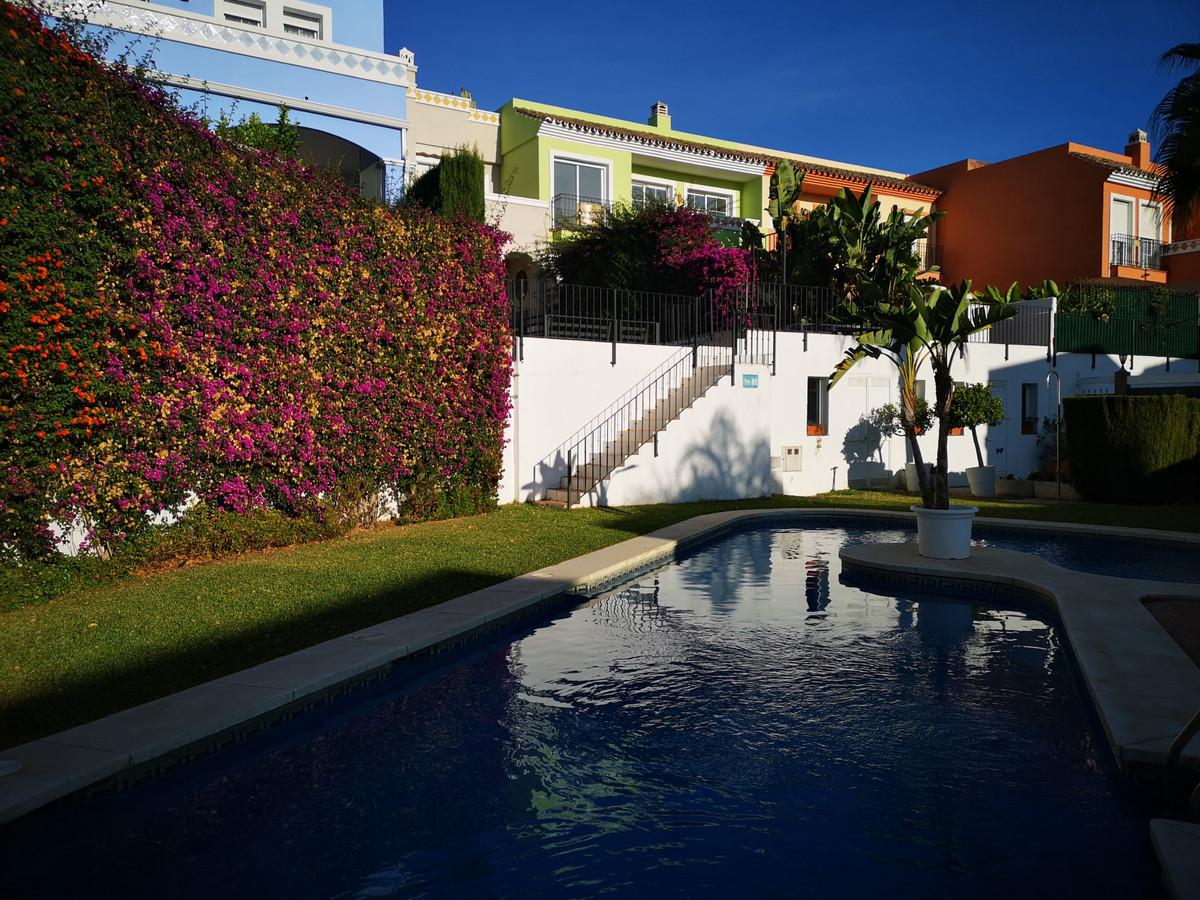 6 Bedroom Semi Detached Villa For Sale Guadalmina Alta