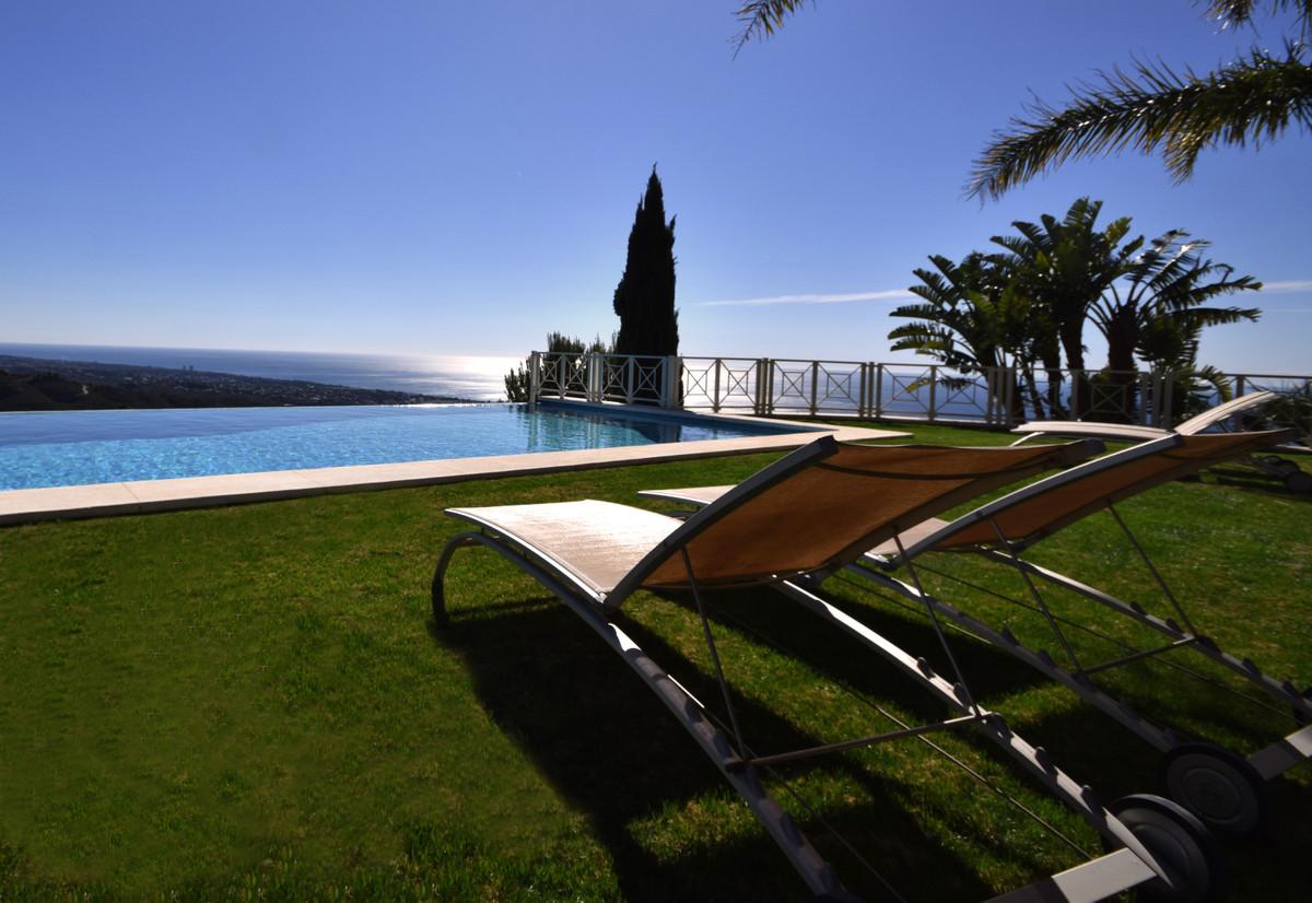 Villa zu verkaufen in Los Monteros R3477397