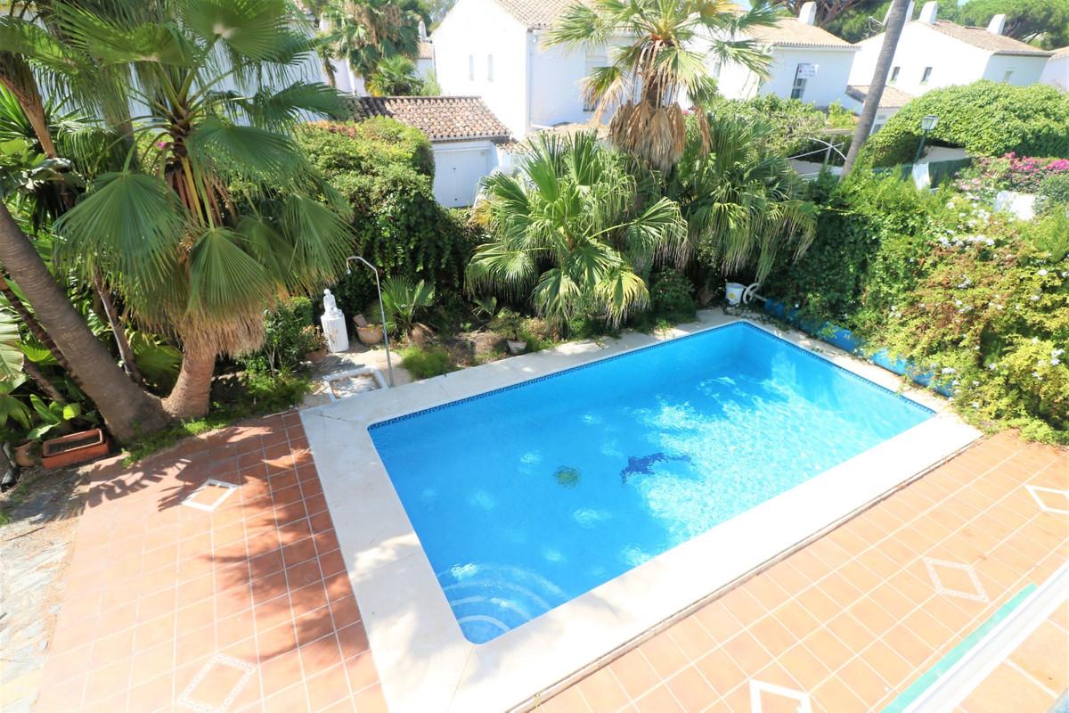 Villa Til salg i Benamara R3674588