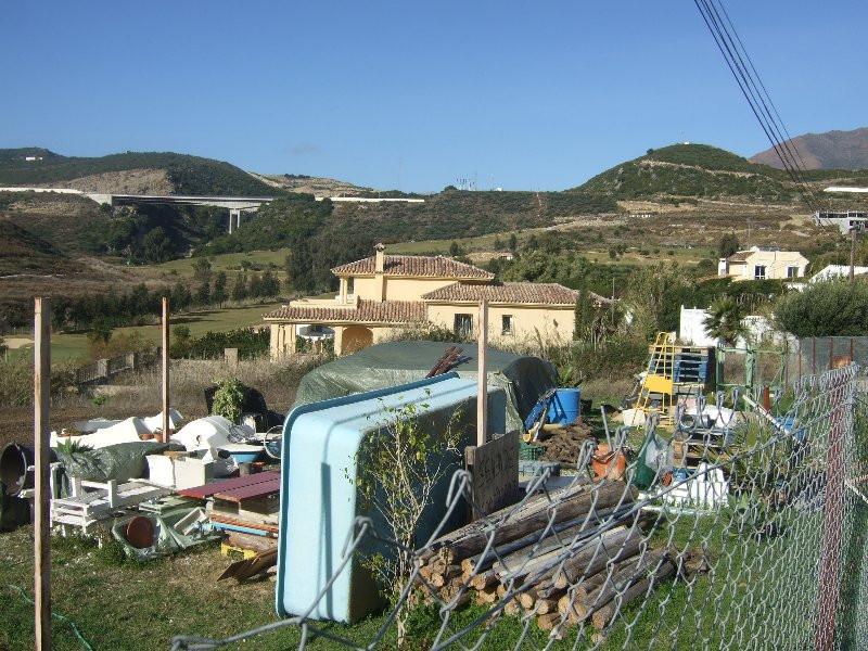 Plot - Area 1035 sqm, Estepona, Costa del Sol.  Plot, Without License, Urbanised.  Setting : Frontli,Spain
