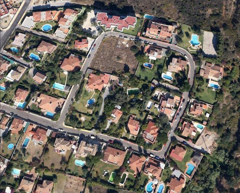 Plot - Residential, Estepona, Costa del Sol. Garden/Plot 1147 m².  Setting : Suburban, Close To Sea,,Spain