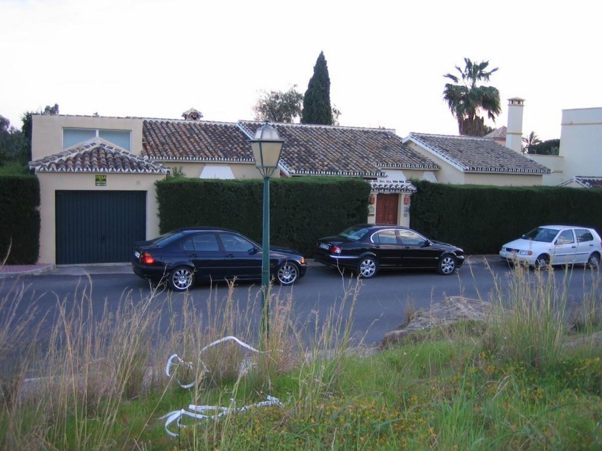 Residential Plot, Estepona, Costa del Sol. Garden/Plot 5000 m².  Setting : Town, Suburban, Close To ,Spain