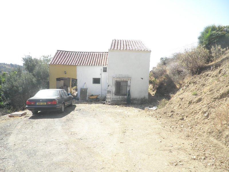 Finca - Cortijo in Estepona R237085