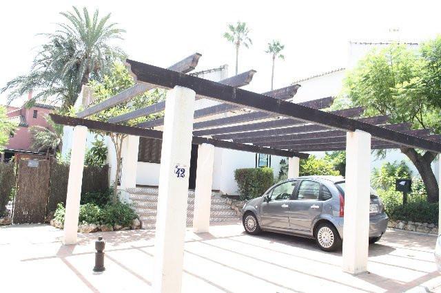 Detached Villa, Estepona, Costa del Sol. 3 Bedrooms, 1 Bathroom, Built 90 m², Terrace 5 m².  Setting,Spain