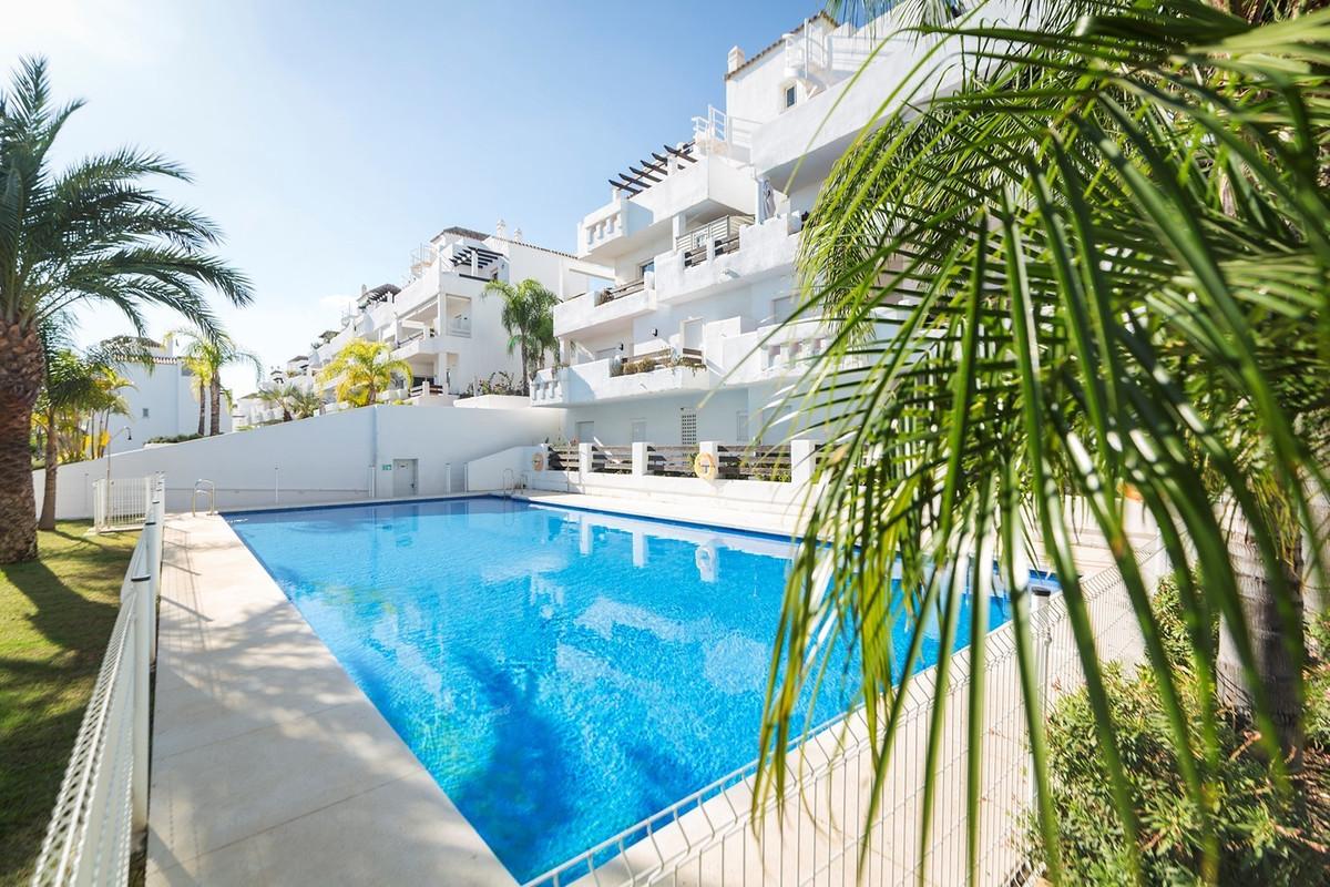 Penthouse, Estepona, Costa del Sol. 1 Bedroom, 1 Bathroom, Built 65 m², Terrace 20 m&su,Spain