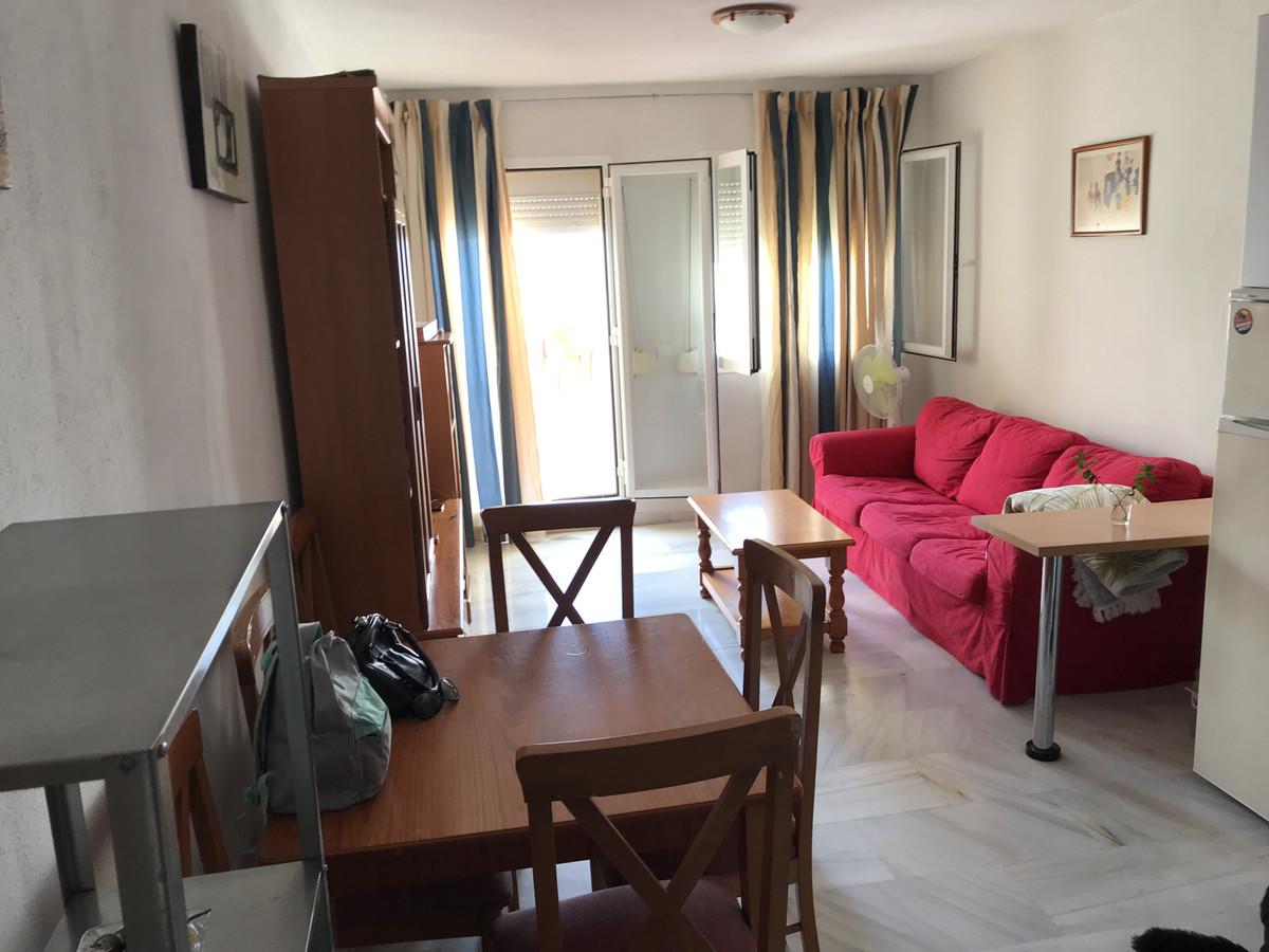 1 Bedroom Middle Floor Apartment For Sale Estepona, Costa del Sol - HP3416437