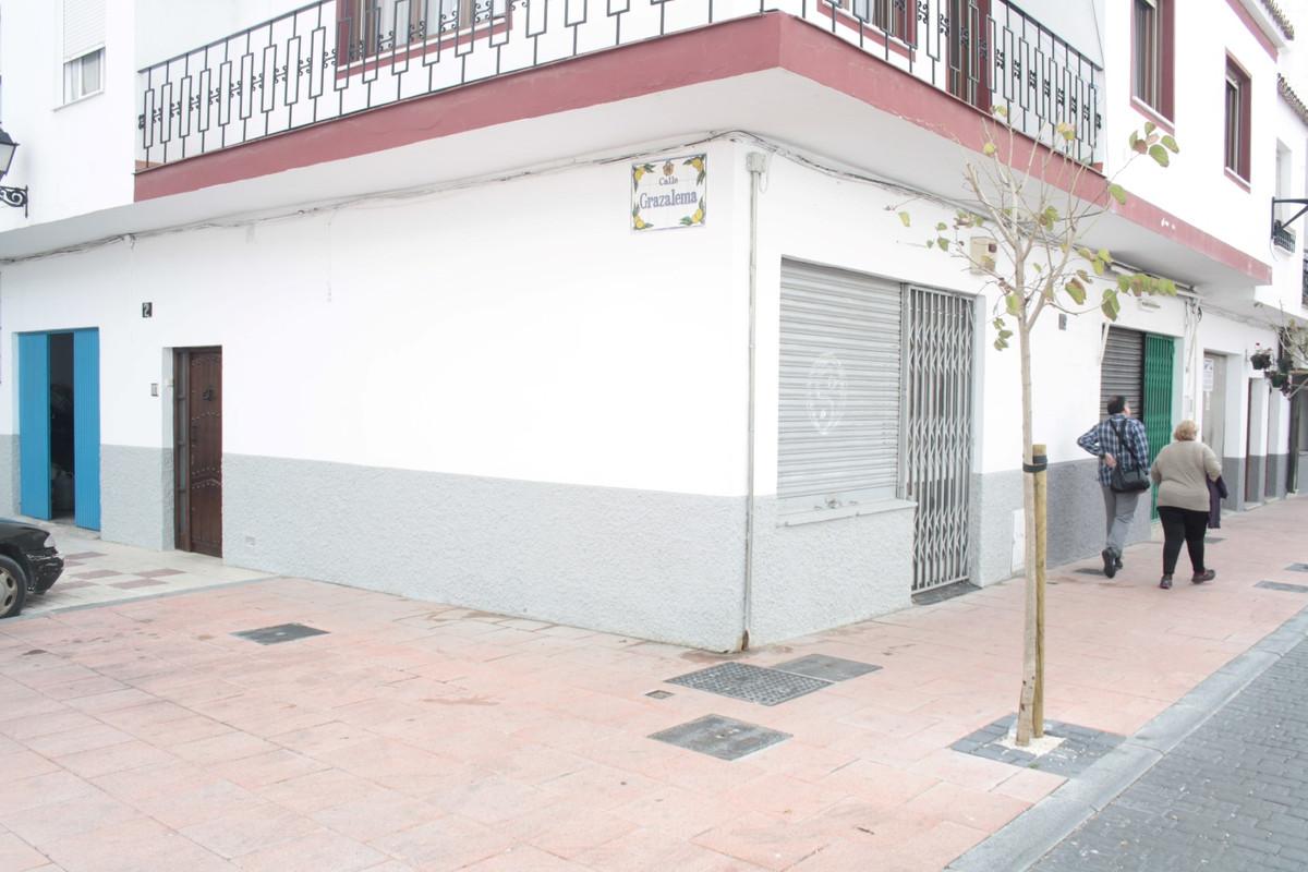 Local Comercial en Venta en Estepona