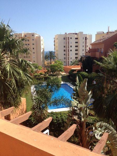 Penthouse, Estepona, Costa del Sol. 3 Bedrooms, 3 Bathrooms, Built 130 m², Terrace 30 m².  Setting :,Spain