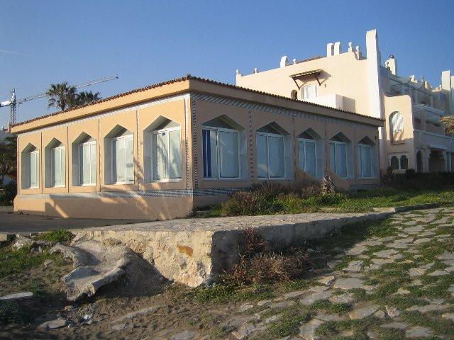 Commercial Property, Estepona, Costa del Sol. Built 150 sqm.  Commercial.  Setting : Beachfront. Ori,Spain
