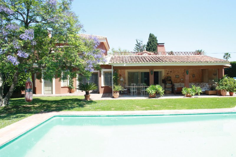 Villa en alquiler en Costalita, Estepona