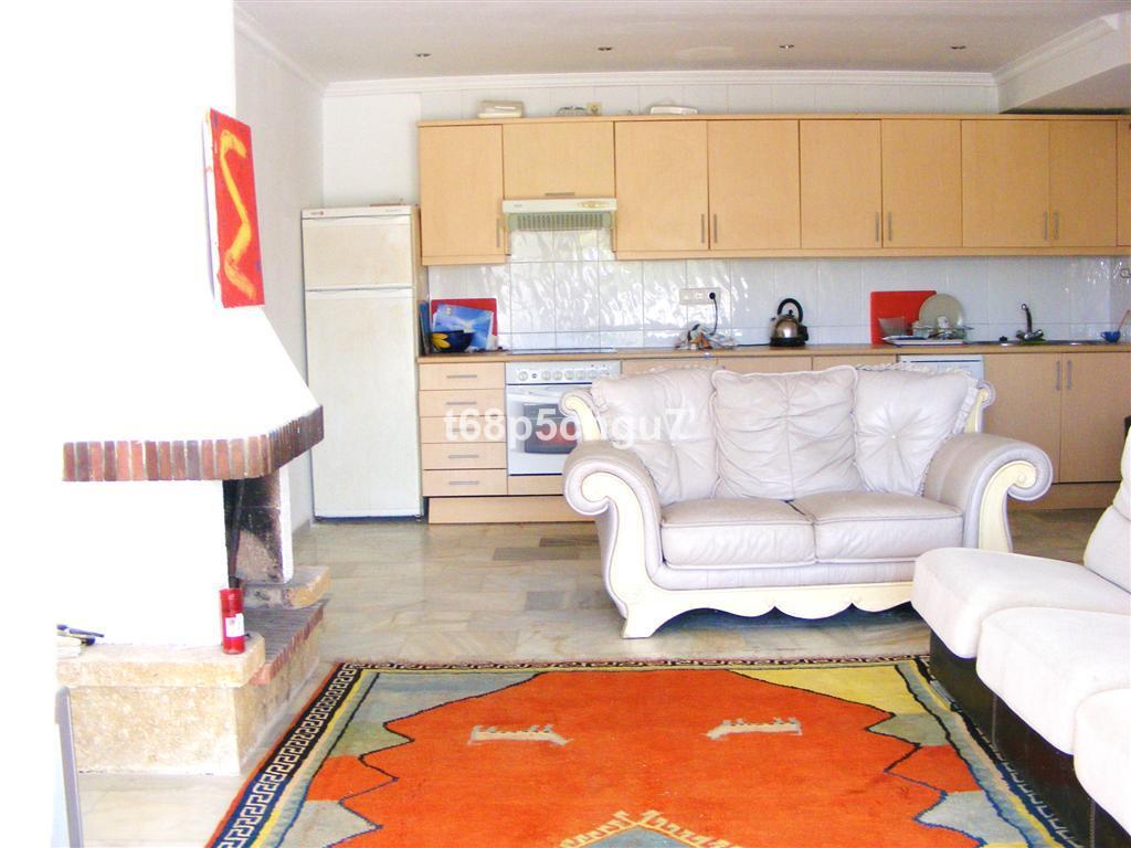 Rijhuis te koop in Reserva de Marbella R3352225