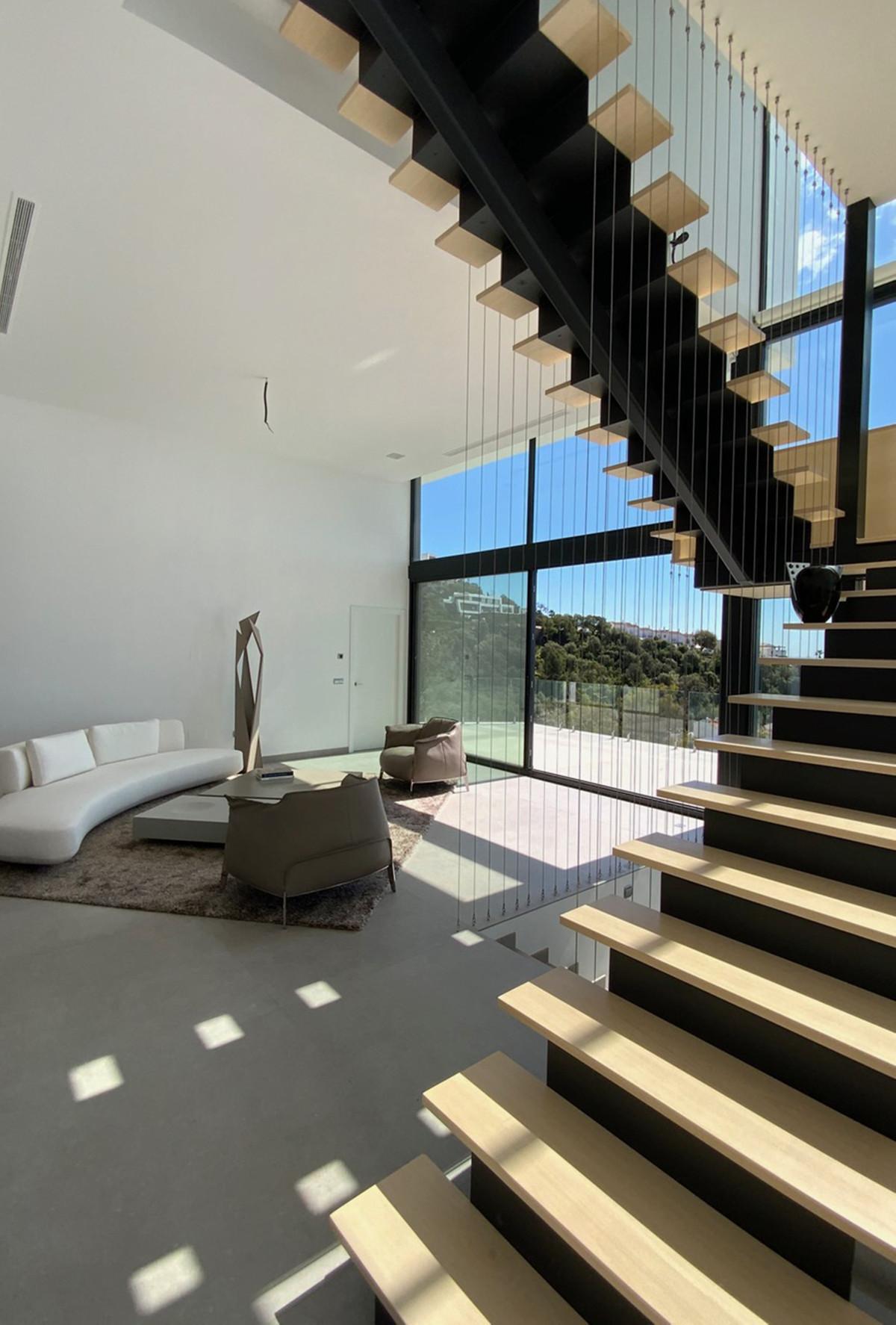 House in Altos de los Monteros R3600767 10