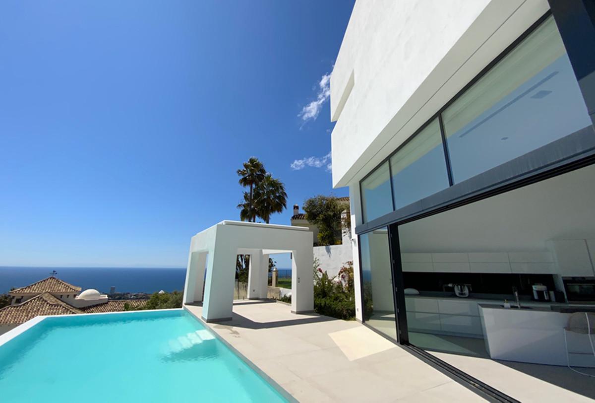 House in Altos de los Monteros R3600767 4