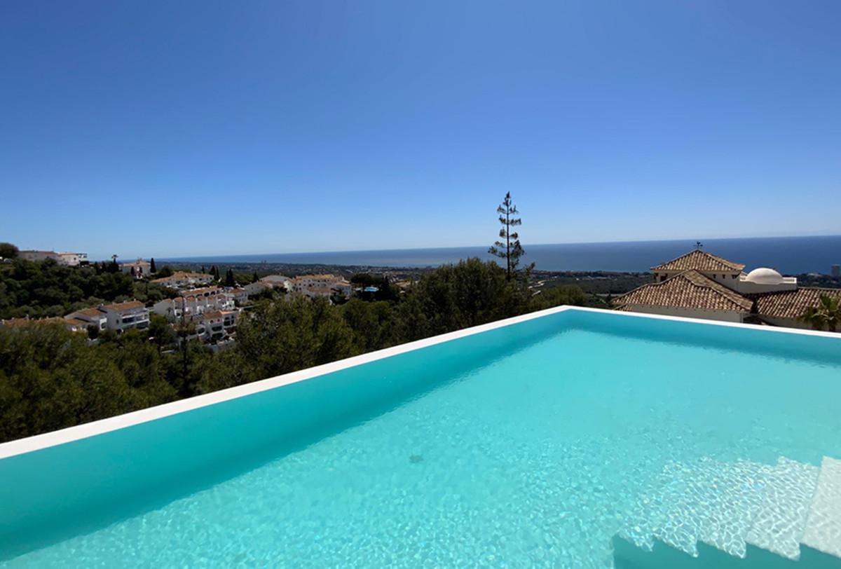 House in Altos de los Monteros R3600767 5