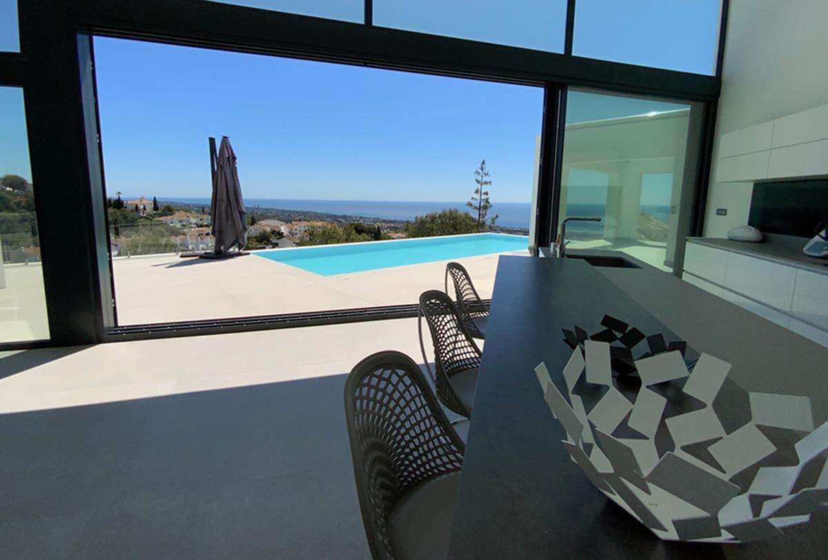 House in Altos de los Monteros R3600767 9