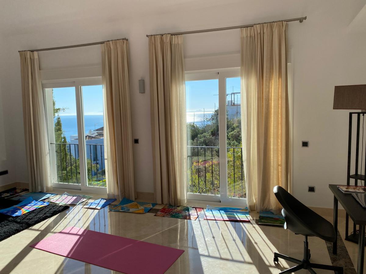 House in Altos de los Monteros R2116109 11