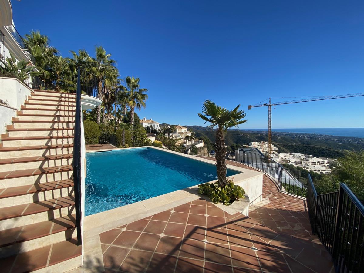 House in Altos de los Monteros R2116109 14