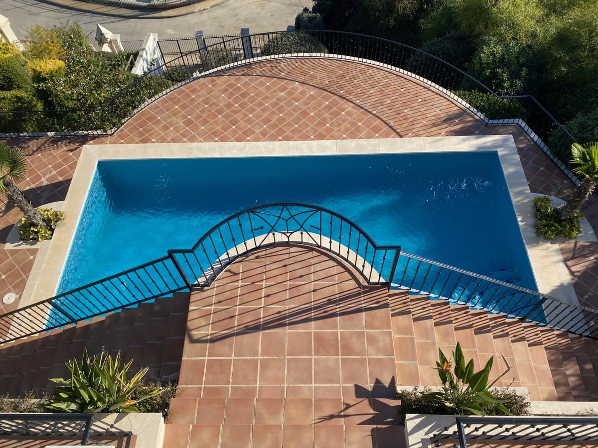 House in Altos de los Monteros R2116109 16