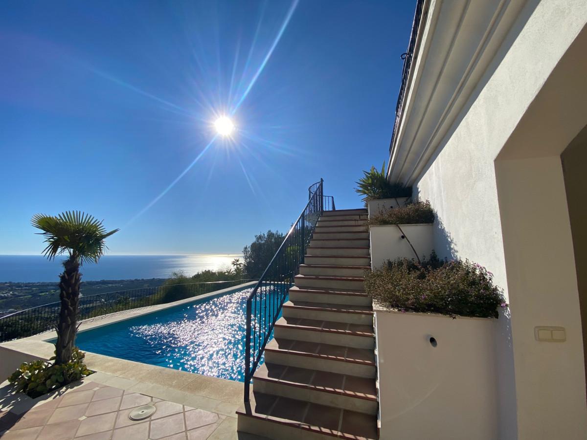 House in Altos de los Monteros R2116109 4
