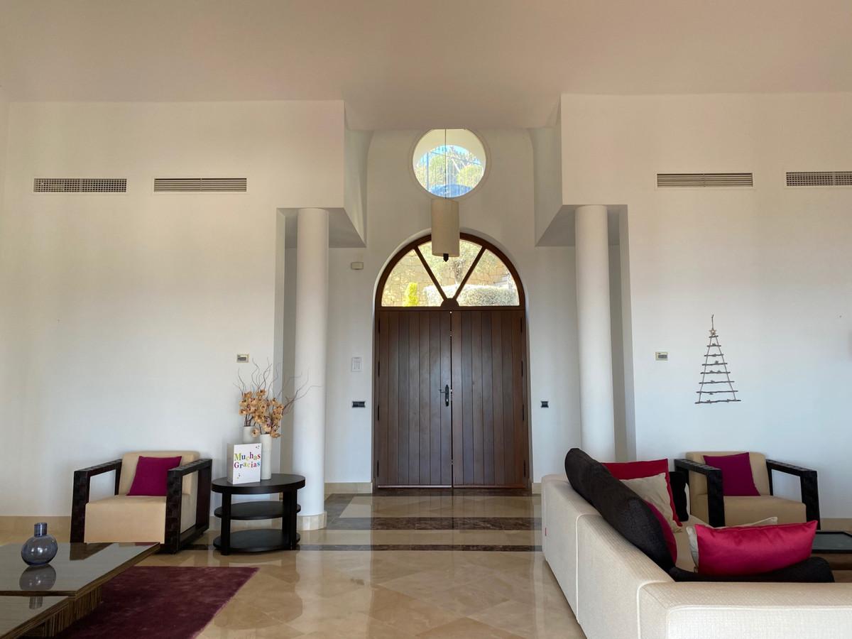 House in Altos de los Monteros R2116109 6