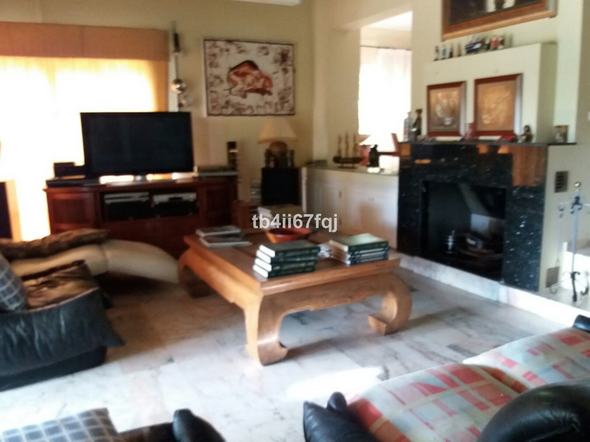 House in Atalaya R3670745 10