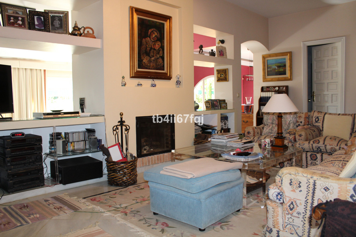 House in Atalaya R3670745 13
