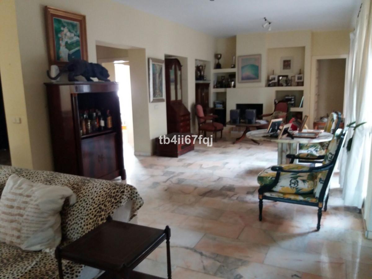 House in Atalaya R3670745 16