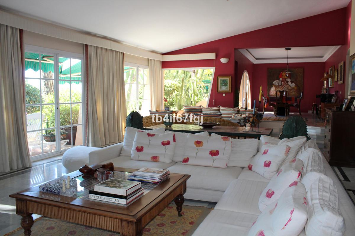 House in Atalaya R3670745 18