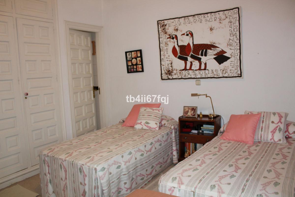 House in Atalaya R3670745 40