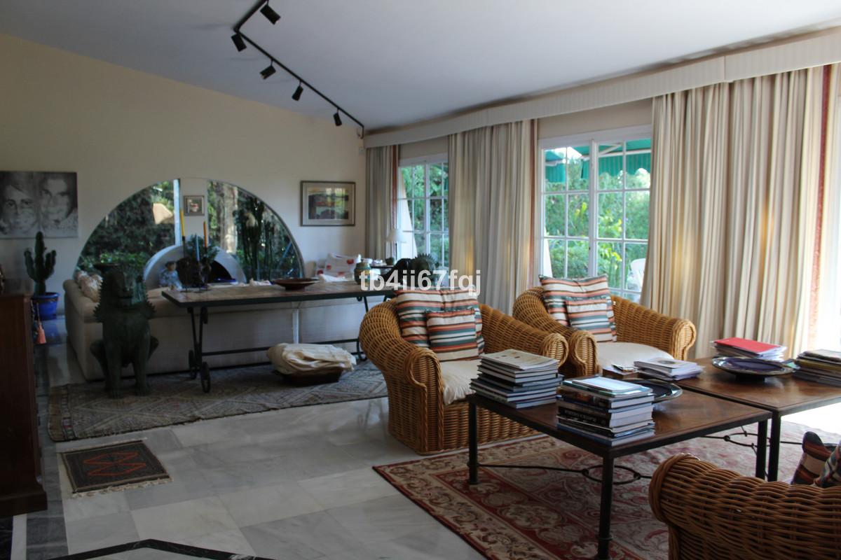 House in Atalaya R3670745 9