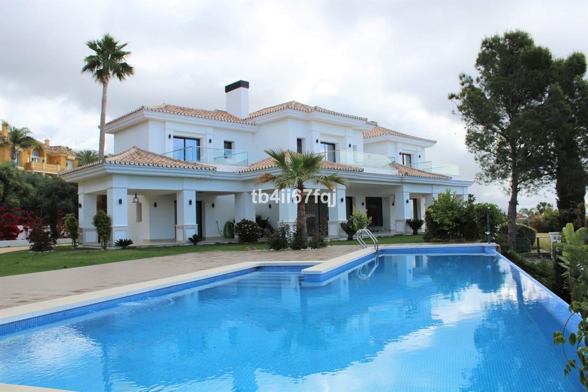 Detached Villa for sale in Sierra Blanca R3380215