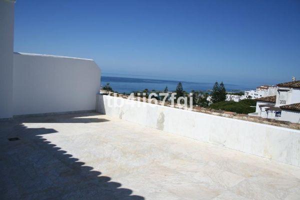 Beautiful Duplex Penthouse in Puerto Banus.  Beautiful 3 bedroom penthouse apartment with 3 bathroom,Spain