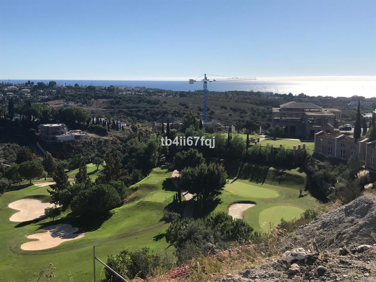 Fantastic plot of 1407 M2, located in the exclusive urbanization of Los Flamingos Golf Resort, Benah,Spain