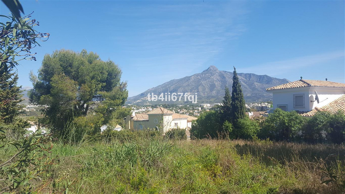 Residential Plot in Nueva Andalucía R2882777