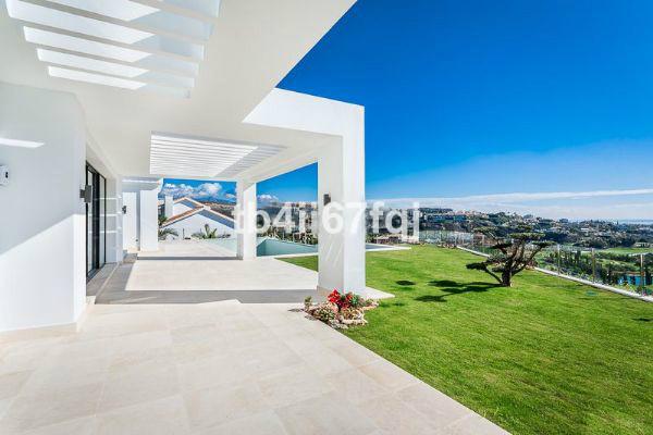 House in Los Flamingos R2549621 2