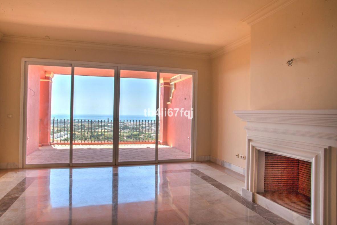 Apartment in Monte Halcones