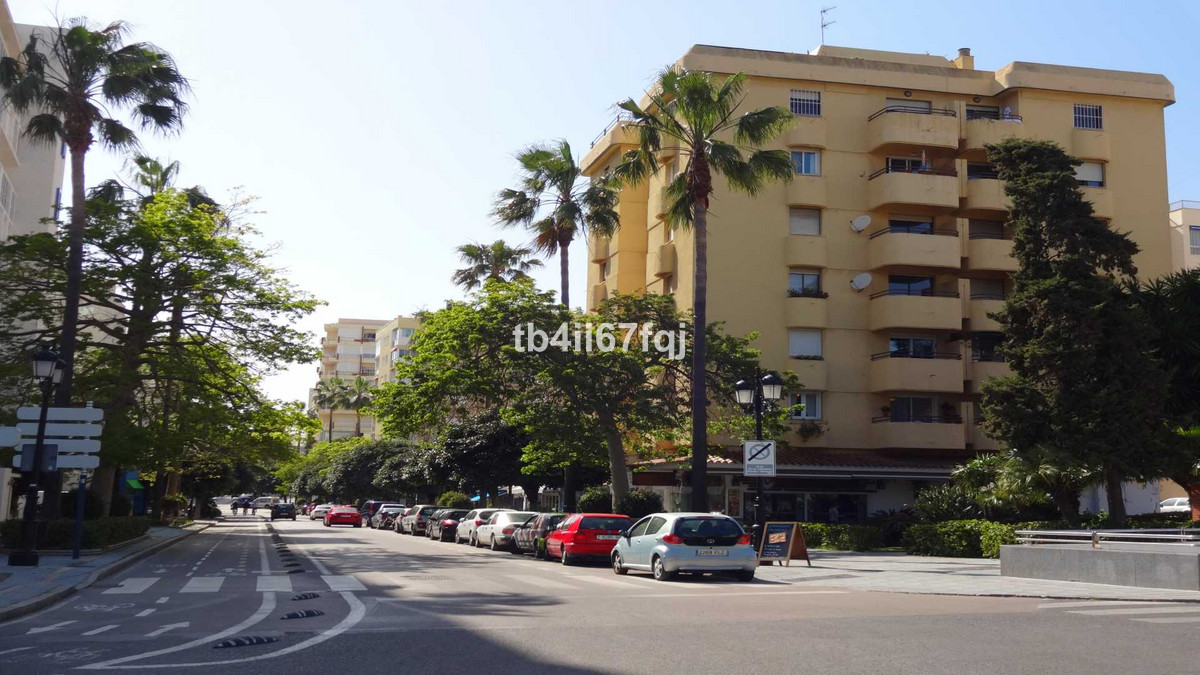 Apartment with 2 bedrooms and 1 bathroom in the center of Marbella. Located on the 2nd line of the s,Spain