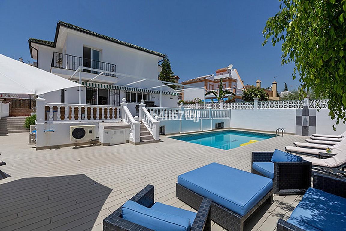 Detached Villa for sale in Nueva Andalucía R3184408