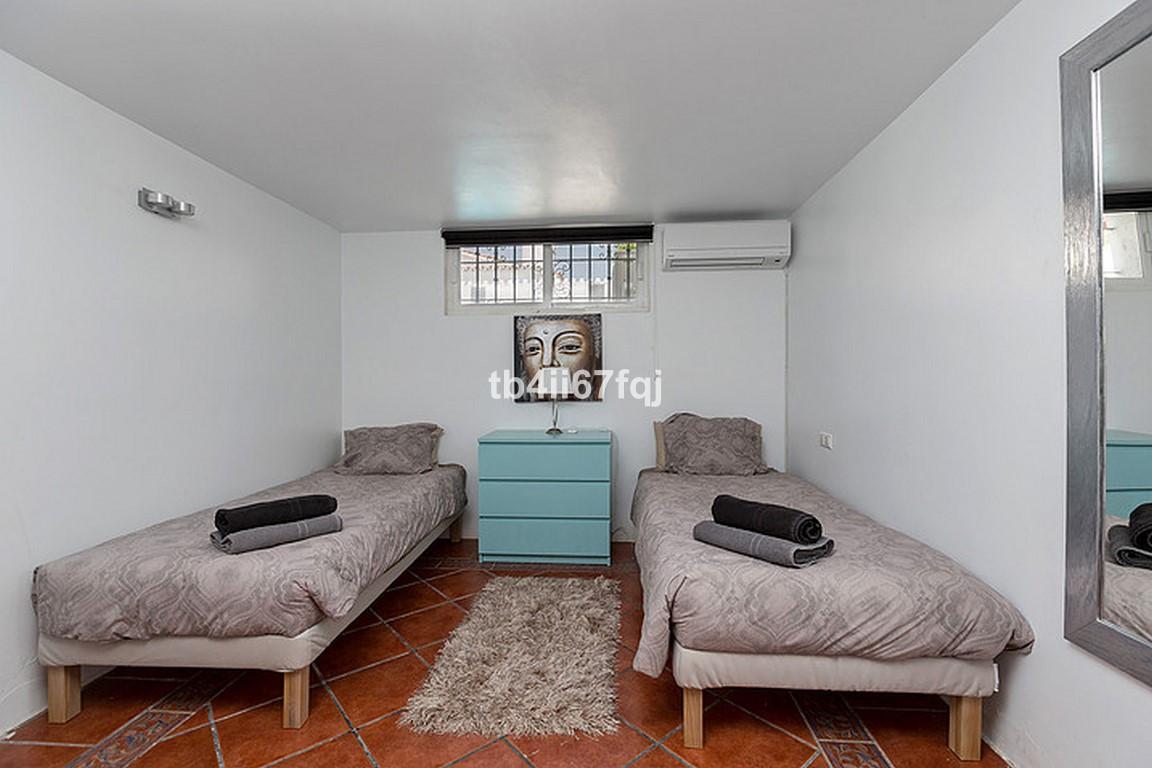 House in Nueva Andalucía R3184408 24