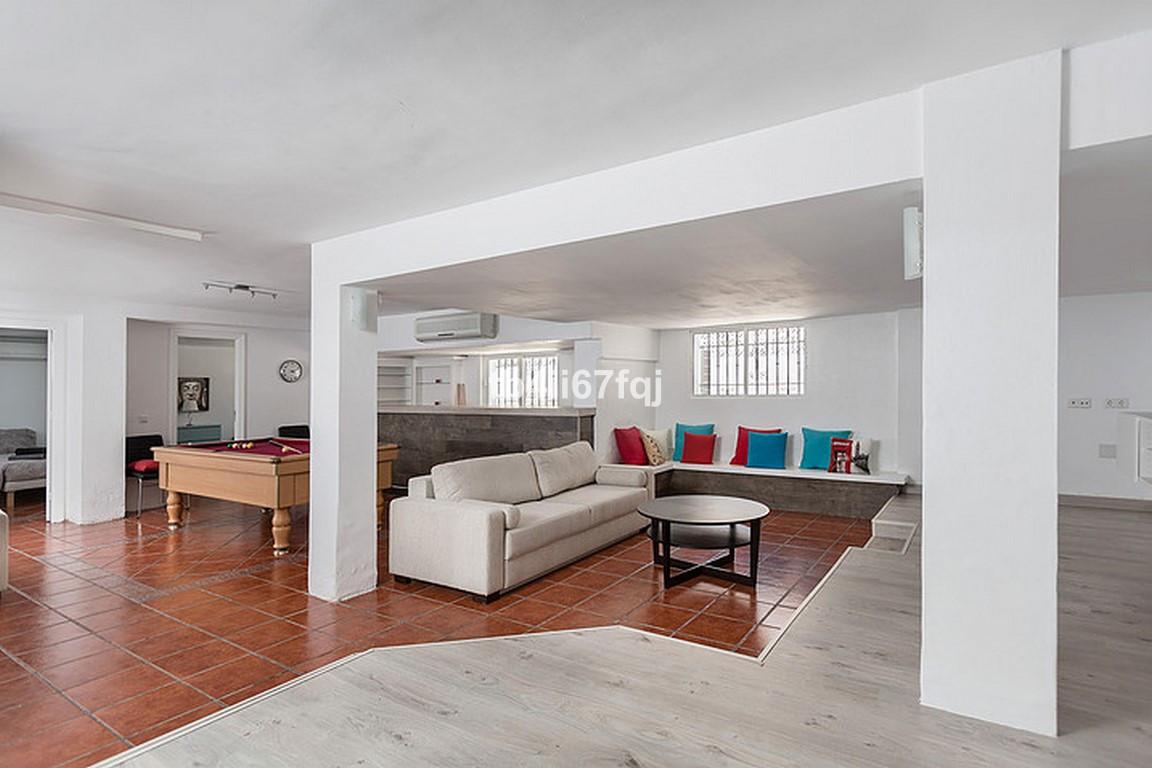 House in Nueva Andalucía R3184408 25