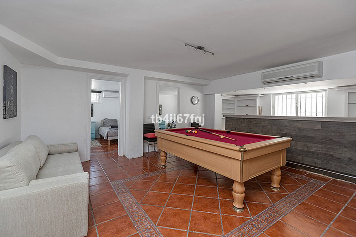 Hus in Nueva Andalucía R3184408 27