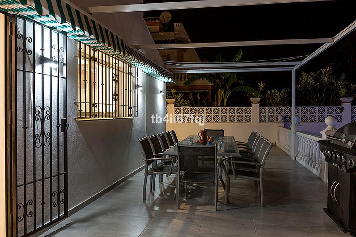 House in Nueva Andalucía R3184408 32