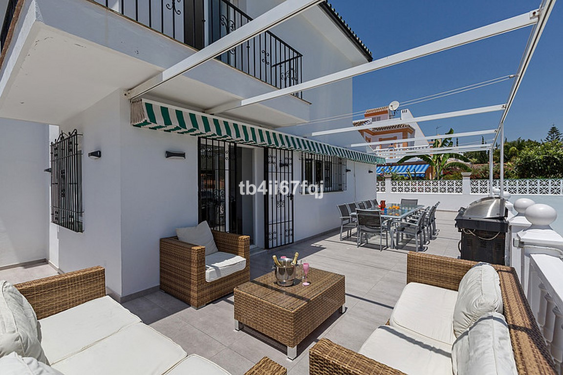 House in Nueva Andalucía R3184408 37