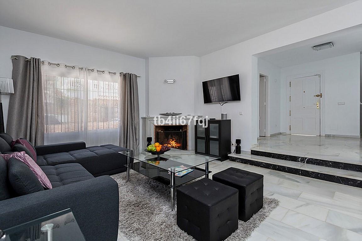 House in Nueva Andalucía R3184408 6
