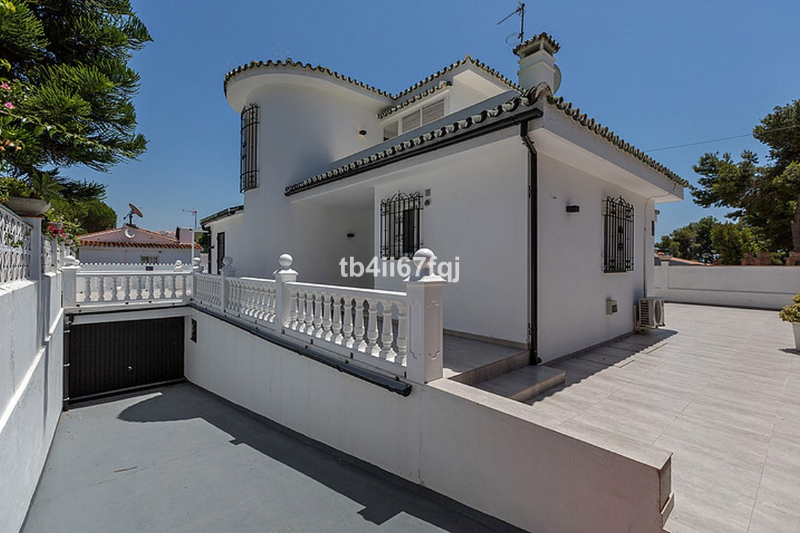 Hus in Nueva Andalucía R3184408 9