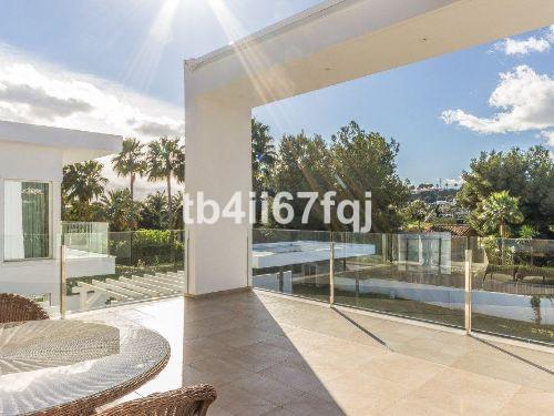 6 Bedroom Villa for sale Aloha